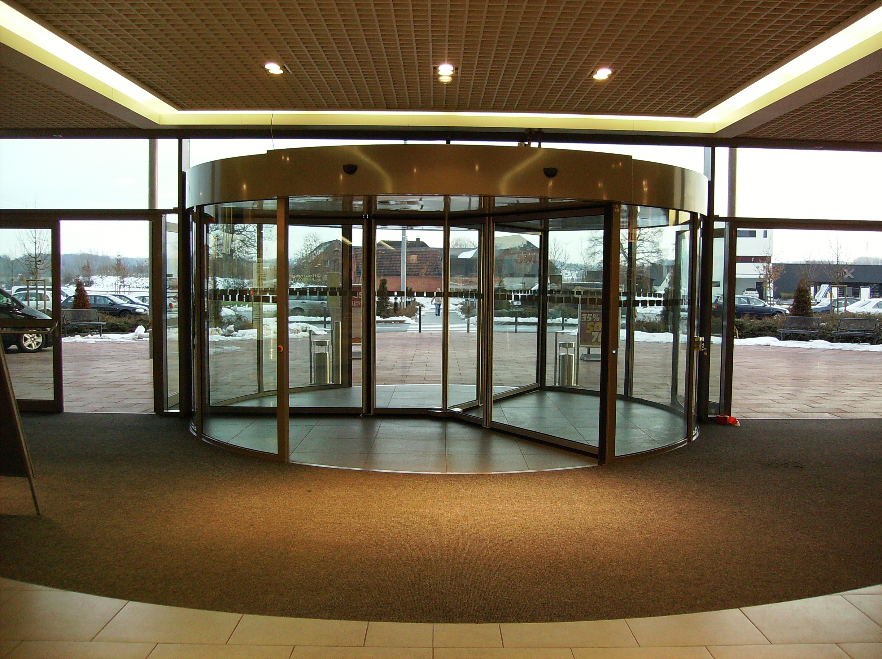 door in working position from inside & Entrance for shopping mall and retail | Bauporte is your specialist |