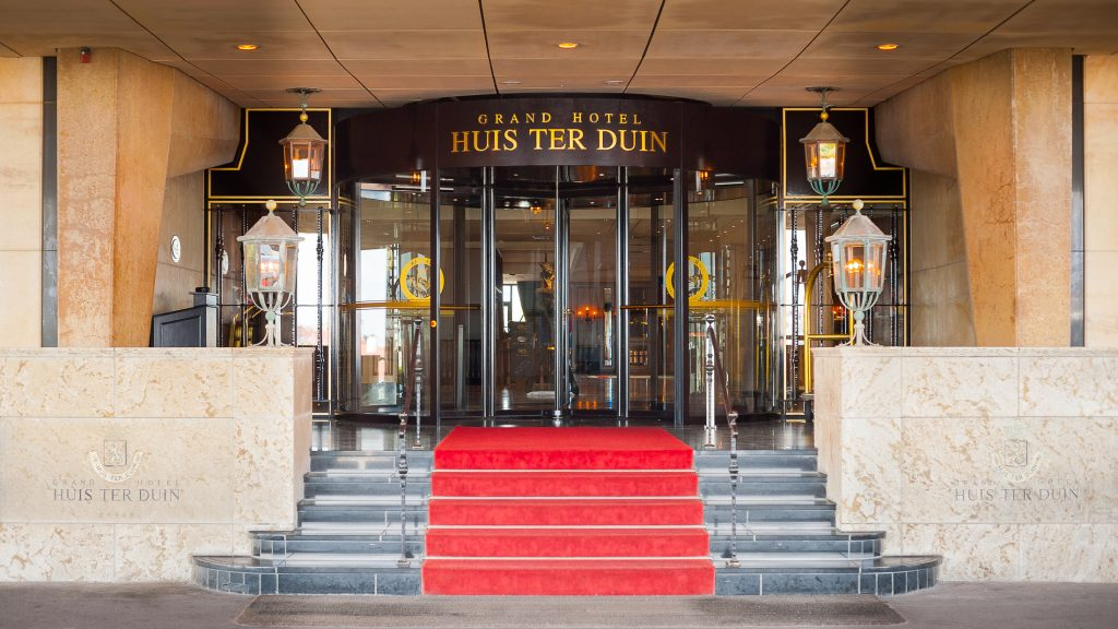 Entrance for hotels bauporte is your specialist for Hotel entrance decor