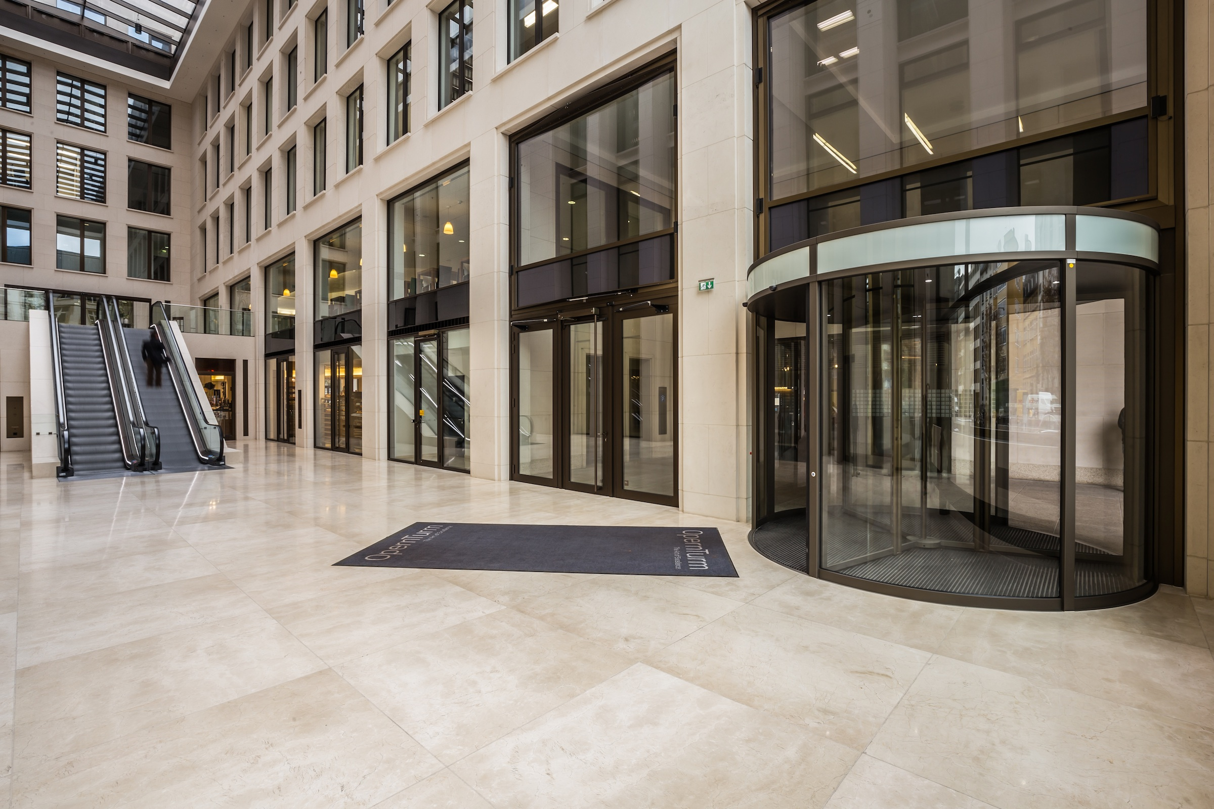 Opernturm frankfurt bauporte design entrances for Designer frankfurt